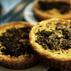 Whole leaf spinach and swiss : Quiche savory pies